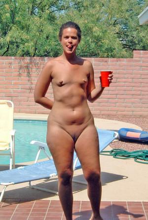 Nackt im swimmbad